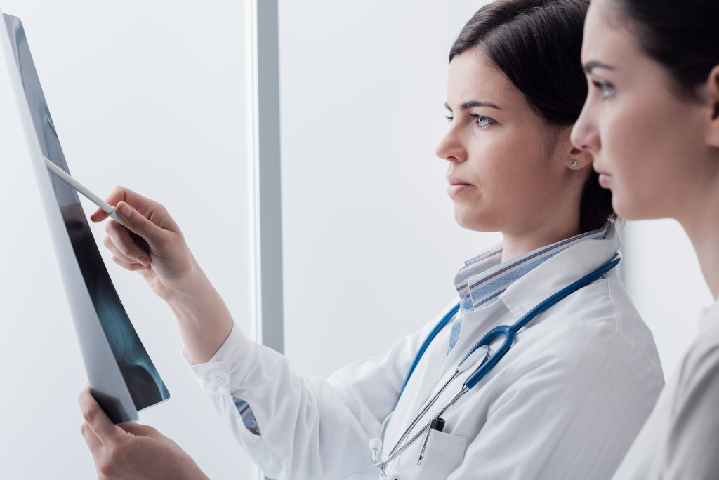 doctors checking an xray